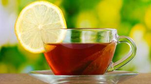Uwaga! Herbata z cytryną szkodzi