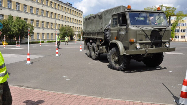 Do zdarzenia doszło na terenie 10. Pułku Samochodowego Jarosław Madej