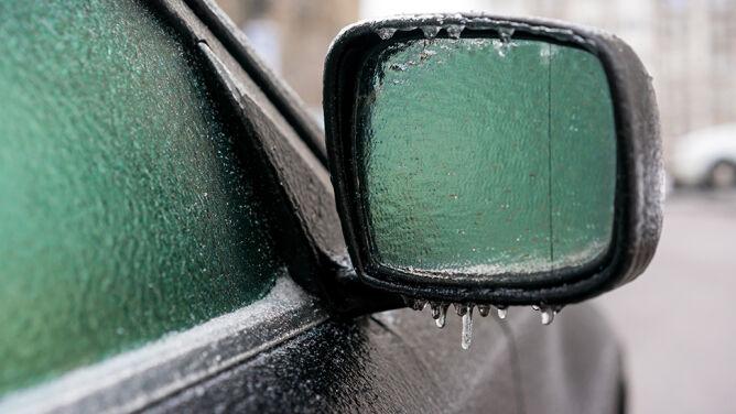 Lodowate opady i gołoledź na drogach. Prognoza ostrzeżeń IMGW